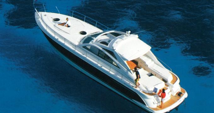 Noleggio Barca a motore con o senza skipper Fairline a Sebenico