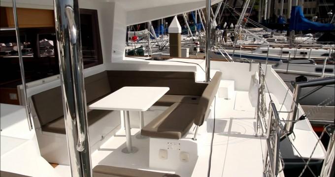 Noleggio yacht a San Vincenzo – Lagoon Lagoon 400 su SamBoat