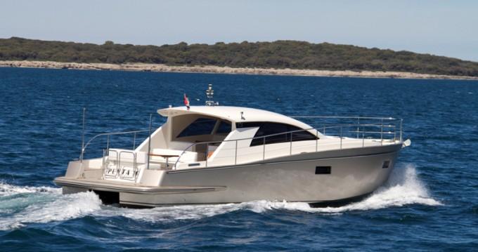 Noleggio barche Cyrus Cyrus 13.8 Hardtop a Pula su Samboat