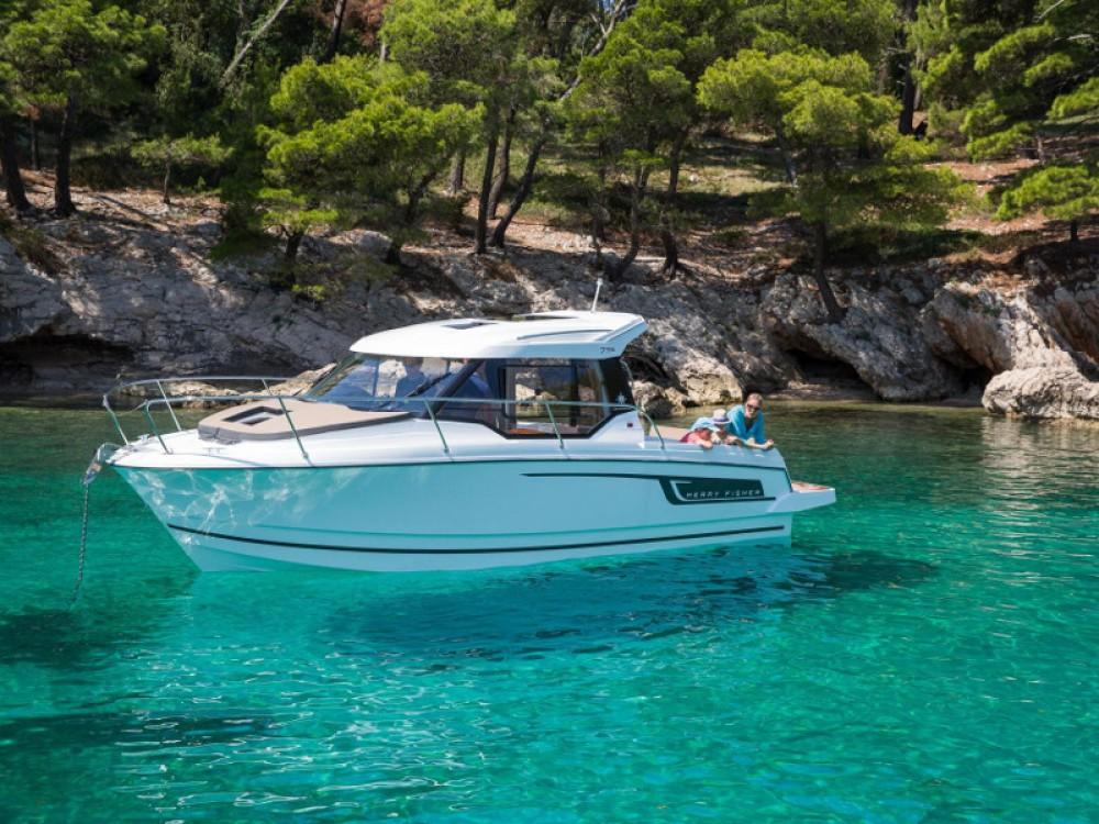 Noleggio barche Jeanneau Merry Fisher 795 Traù su Samboat