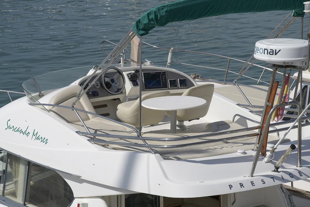 Noleggio yacht Port esportiu d'Aiguadolç - Jeanneau Prestige 32 su SamBoat