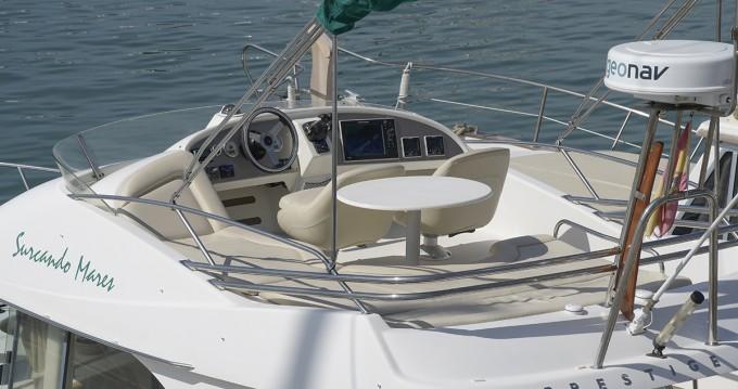 Barca a motore a noleggio a Port de Sitges Aiguadolç al miglior prezzo
