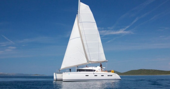 Noleggio Catamarano Nautitech con patente nautica