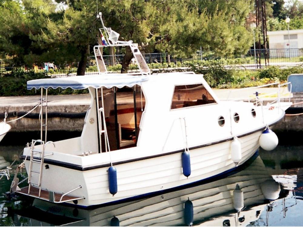 Noleggio barche Brbinj economico Adria 28 Luxus