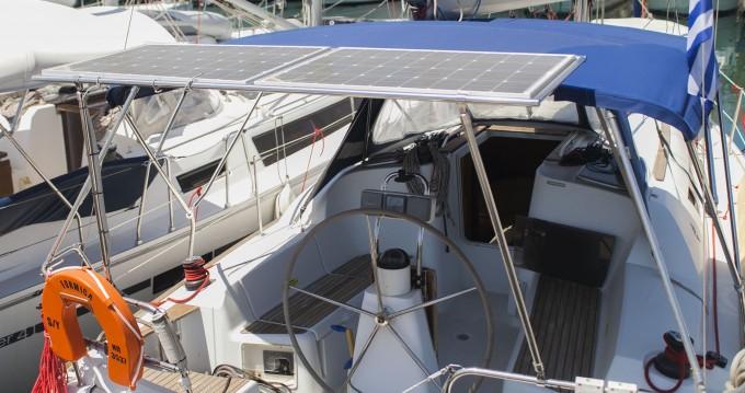Noleggiare una Jeanneau Sun Odyssey 36i a Atene