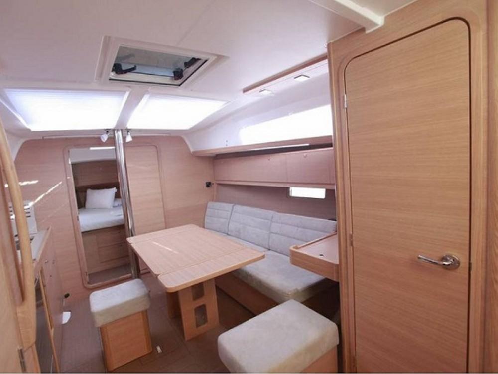Noleggio barche Fethiye economico Dufour 382 GL
