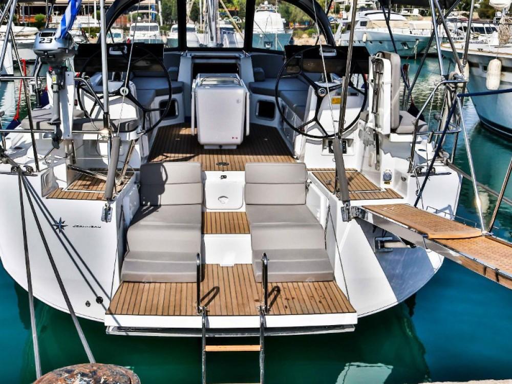 Noleggio yacht Álimos - Jeanneau Jeanneau 54 ( A/C ,GENERATOR,INVENTER ) su SamBoat