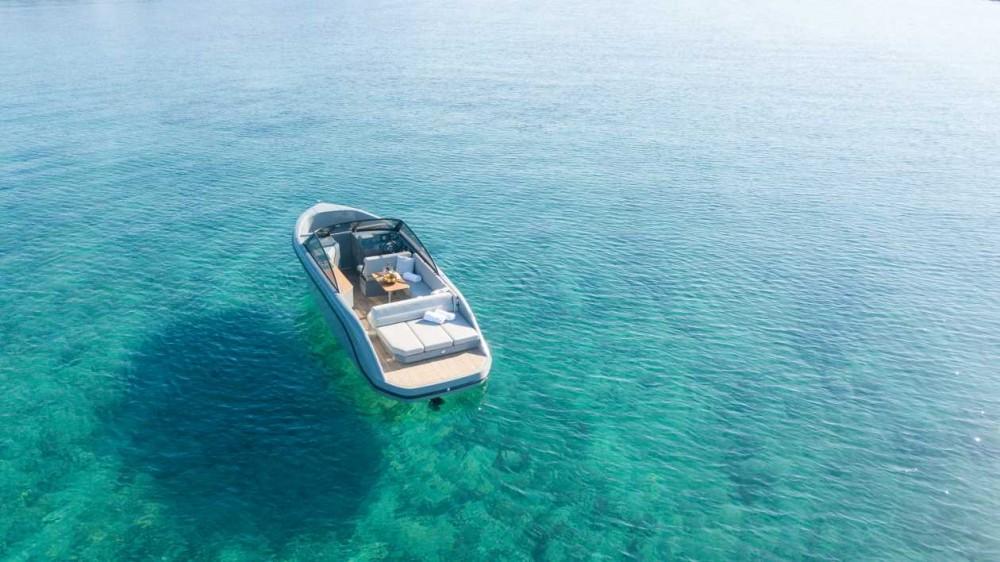 Noleggiare un' Supreme 27 p Marina Trogir SCT