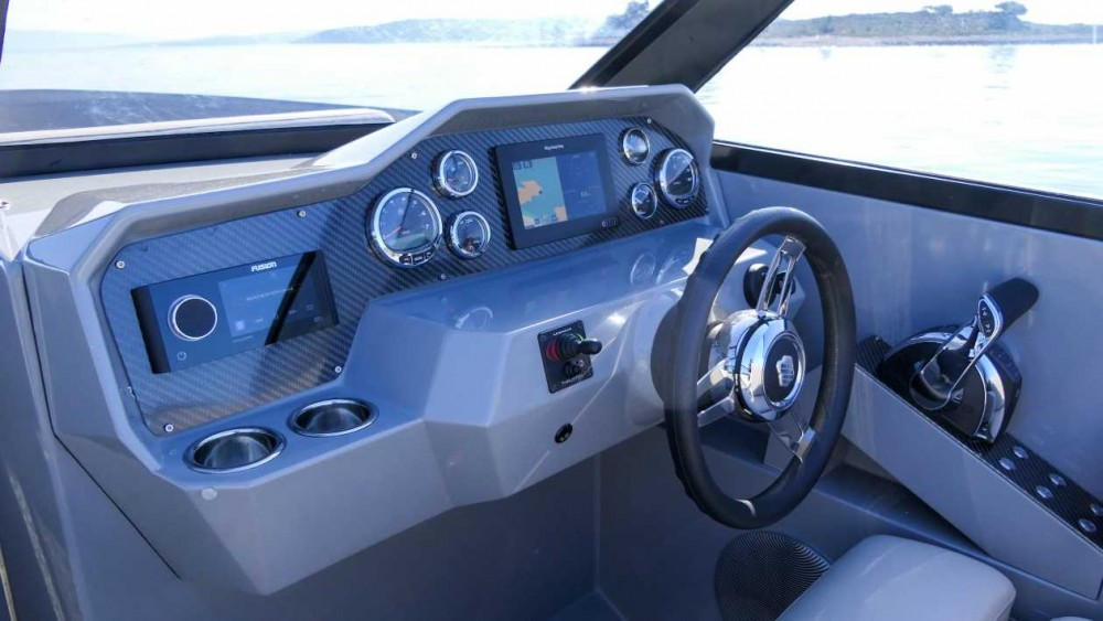 Barca a motore a noleggio Marina Trogir SCT al miglior prezzo