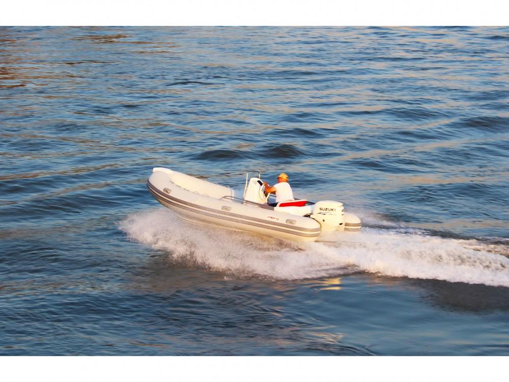 Noleggio Barca a motore con o senza skipper  Trogir