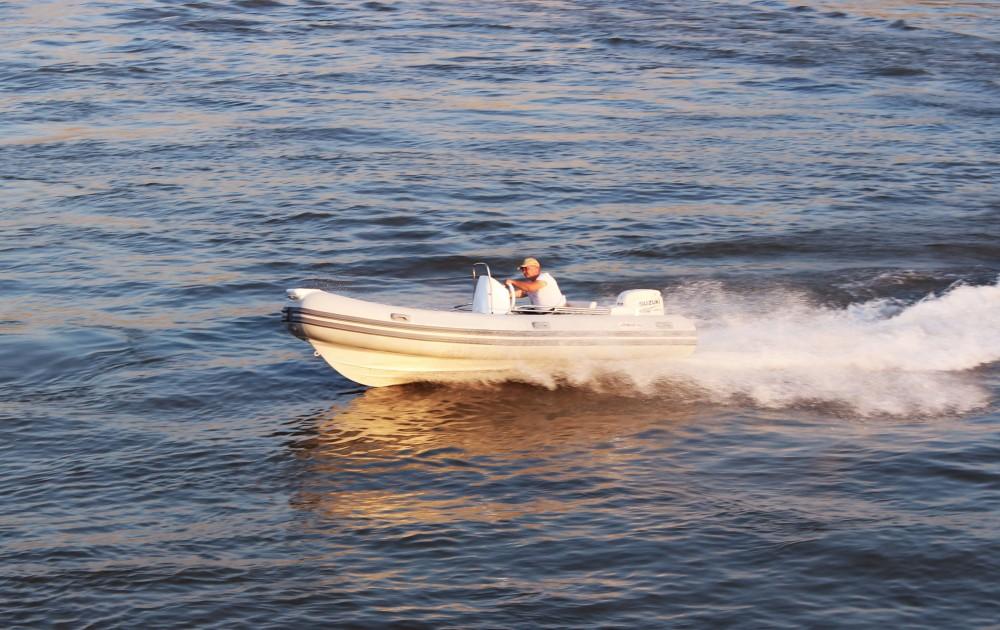 Noleggio barche Trogir economico Joymarc 490