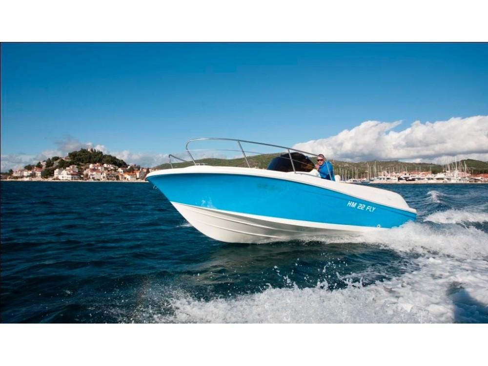 Noleggio barche  HM 22 Fly Marina Trogir SCT su Samboat