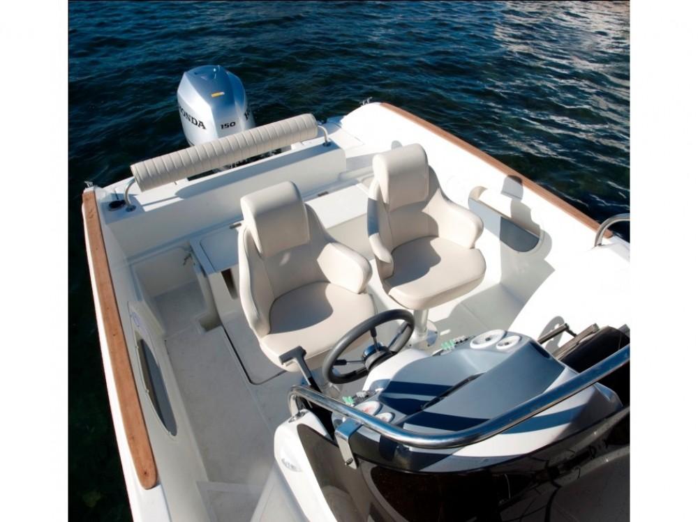 noleggio Barca a motore Marina Trogir SCT -  HM 22 Fly
