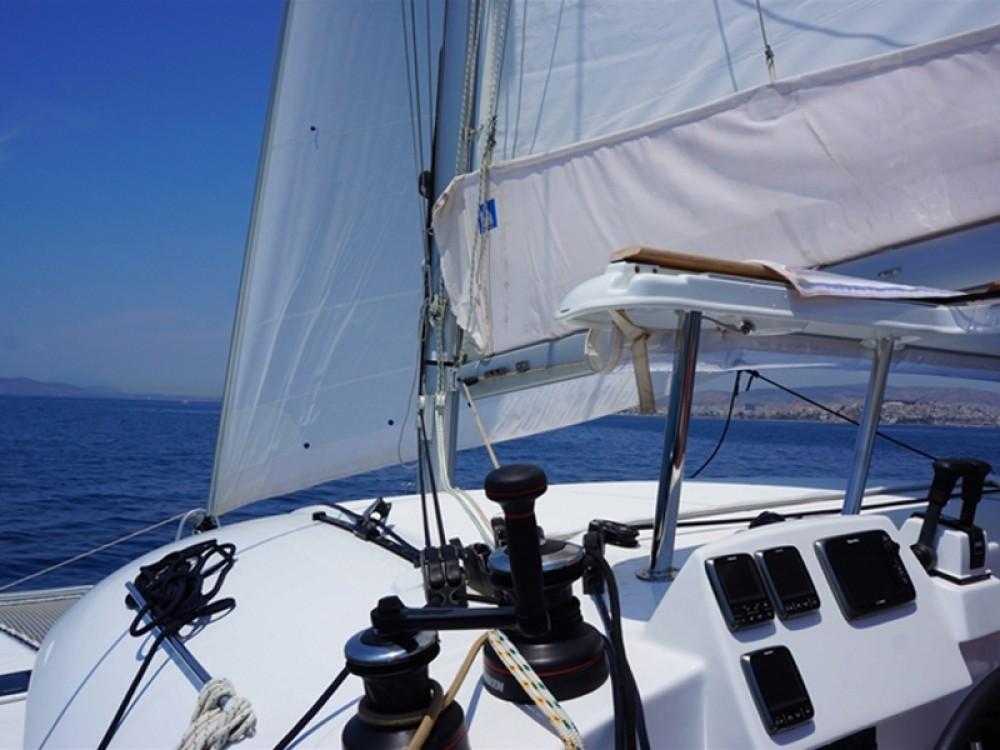 Noleggio barche Lagoon Lagoon 380 S2 Porto di Alimos su Samboat