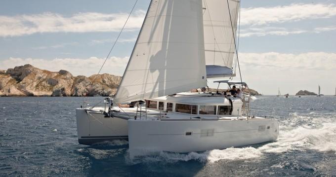Catamarano a noleggio a Lefkada al miglior prezzo