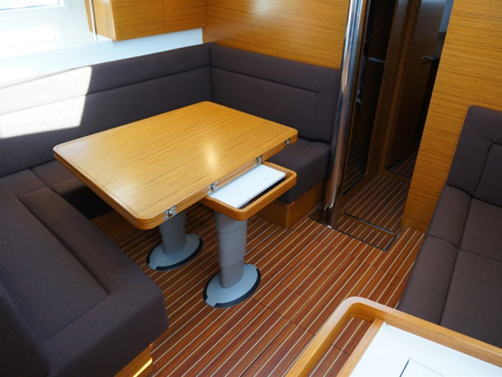 Noleggio barche Porto di Alimos economico Elan 45 impression