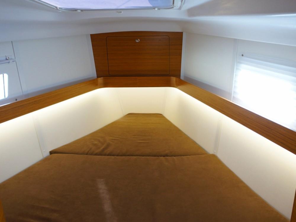 Noleggio yacht Porto di Alimos - Elan Elan 45 impression su SamBoat