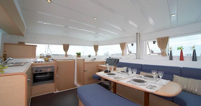 Noleggio barche Níkiti economico Lagoon 420