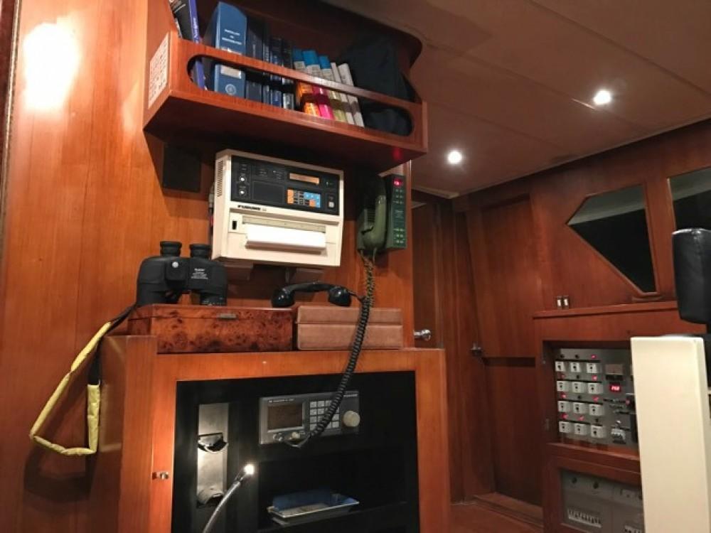 Yacht a noleggio Marina di Portisco al miglior prezzo