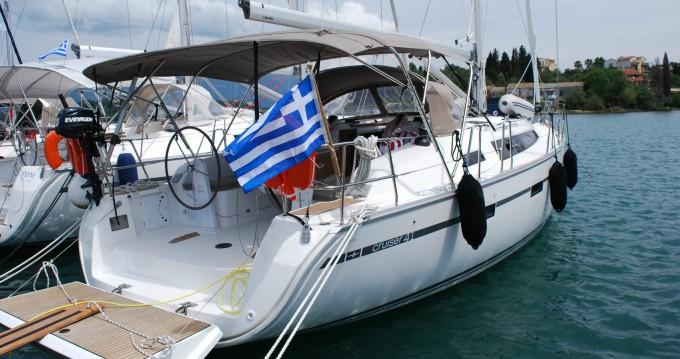 Bavaria Cruiser 41 tra privati e professionisti a Gouviá