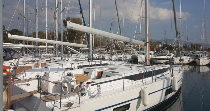 Barca a vela a noleggio a Rhodes al miglior prezzo