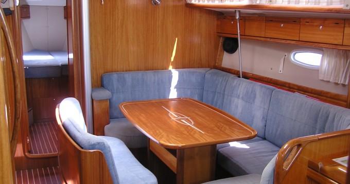 Noleggio barche Bavaria Bavaria 40 Cruiser a Gouviá su Samboat