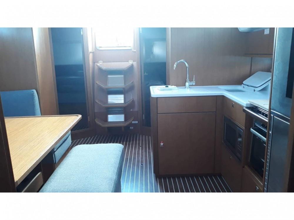 Noleggiare un'Bavaria Bavaria Cruiser 46 Style Kontokali