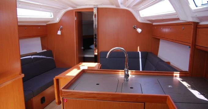 Noleggio Barca a vela a Gouviá – Bavaria Cruiser 37