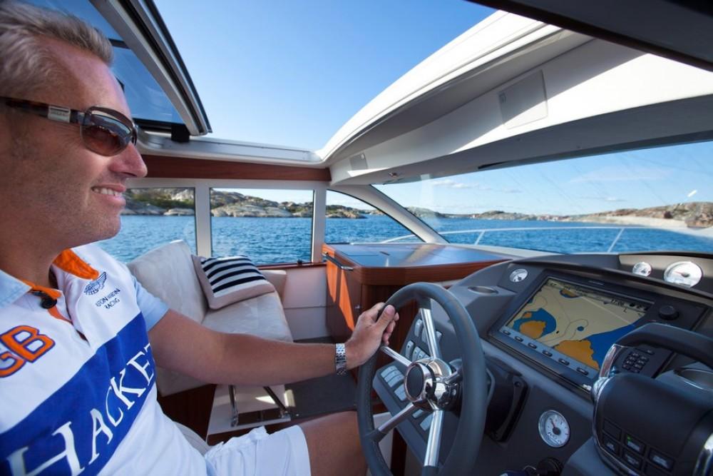 Noleggio Barca a motore con o senza skipper Nimbus