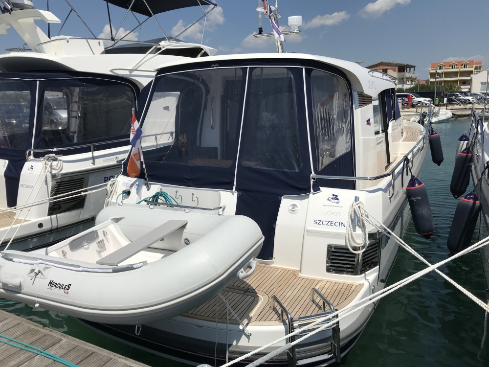 Noleggio barche  economico Nimbus 365 Coupé