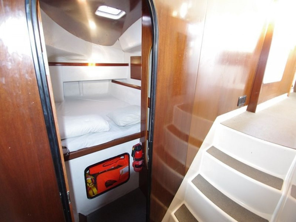 Noleggio yacht  - Fountaine Pajot Athena 38 su SamBoat