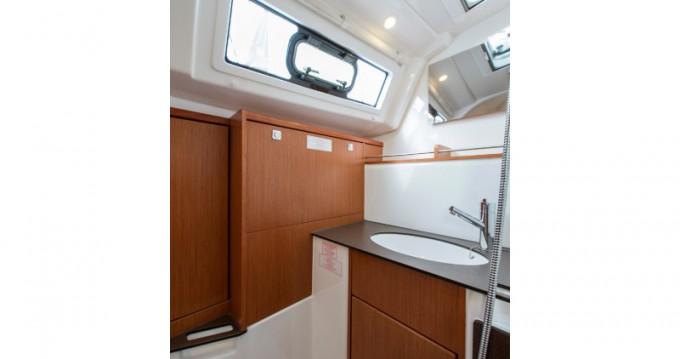 Noleggio barche Atene economico Cruiser 37