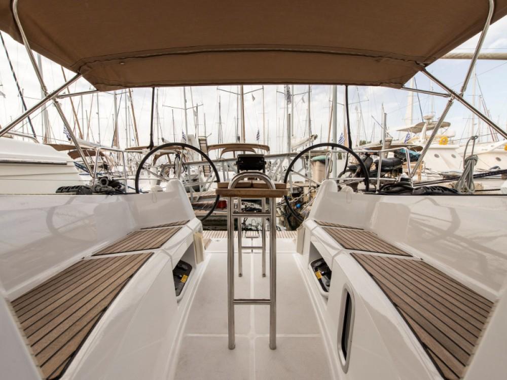 Noleggiare un'Jeanneau Sun Odyssey 349 Porto di Alimos