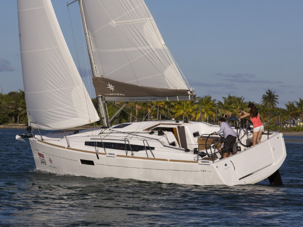 Noleggio Barca a vela con o senza skipper Jeanneau Porto di Alimos