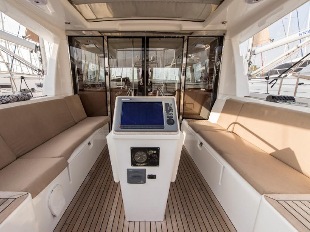 Noleggio Barca a vela con o senza skipper Moody Porto di Alimos