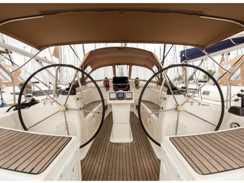 Noleggio barche Bavaria Bavaria 50 Cruiser Porto di Alimos su Samboat