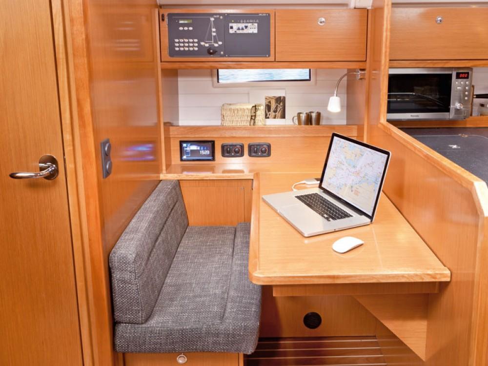 Noleggio barche Follonica economico Bavaria Cruiser 50