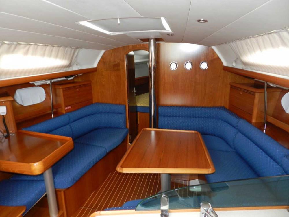 Noleggio barche Follonica economico Sun Odyssey 37