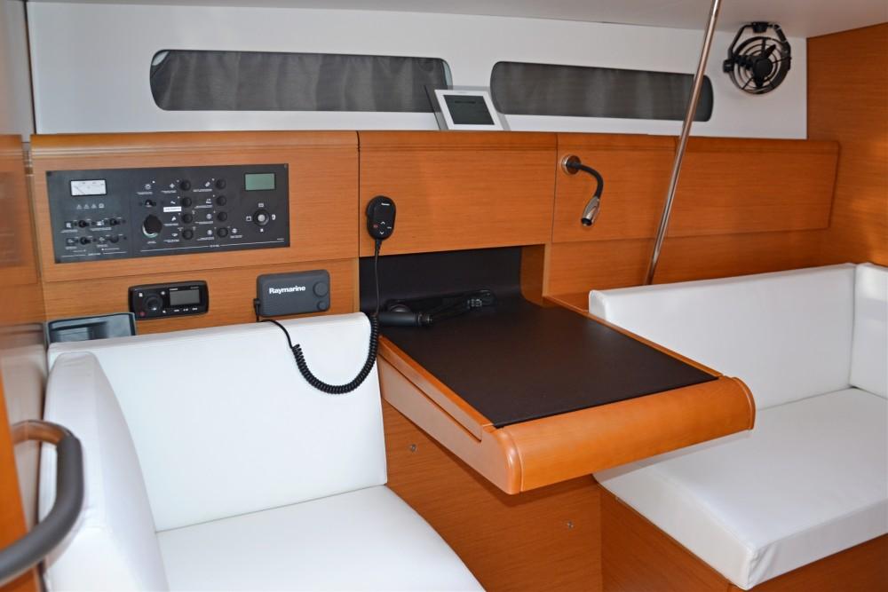 Noleggio barche Nettuno economico Sun Odyssey 449