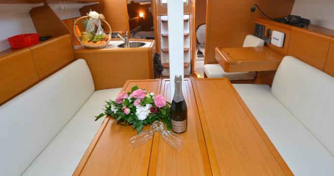 Noleggio barche Ragusa economico Sun Odyssey 33i