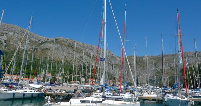 Jeanneau Sun Odyssey 33i tra privati e professionisti a Ragusa