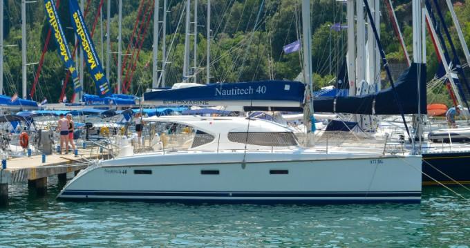 Noleggiare una Nautitech Nautitech 40 a Ragusa