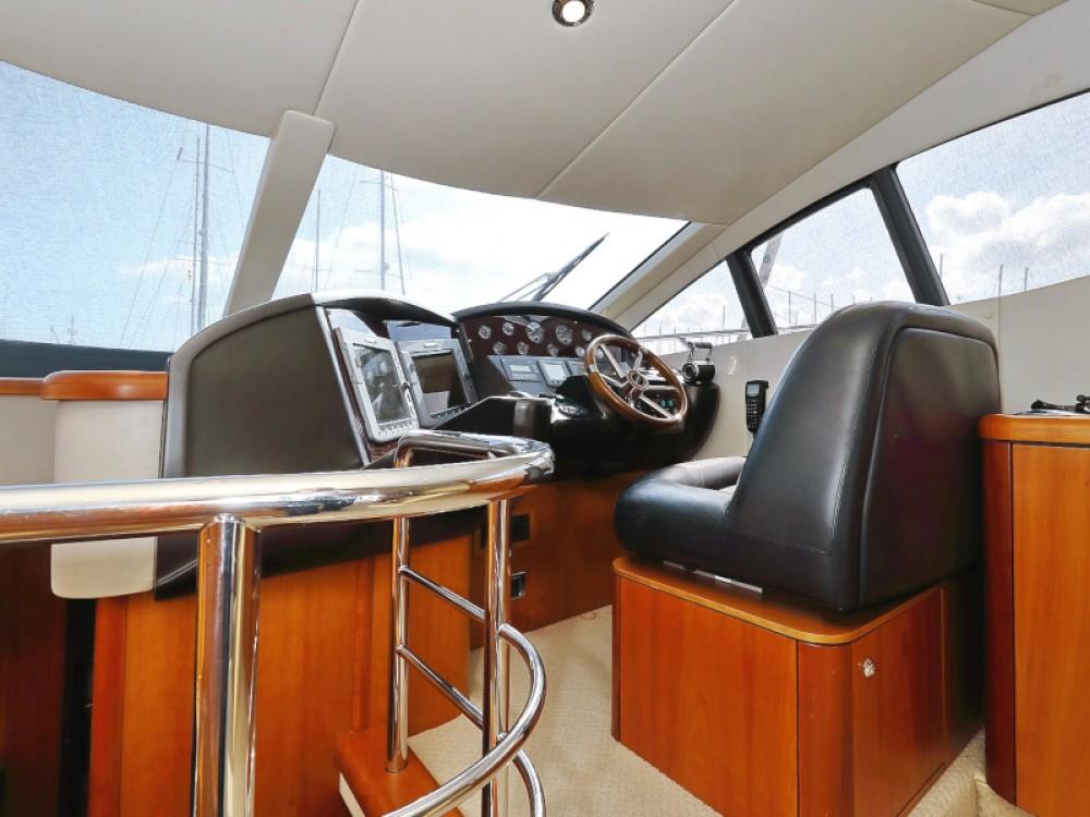 Noleggio Barca a motore con o senza skipper Sunseeker Sukošan