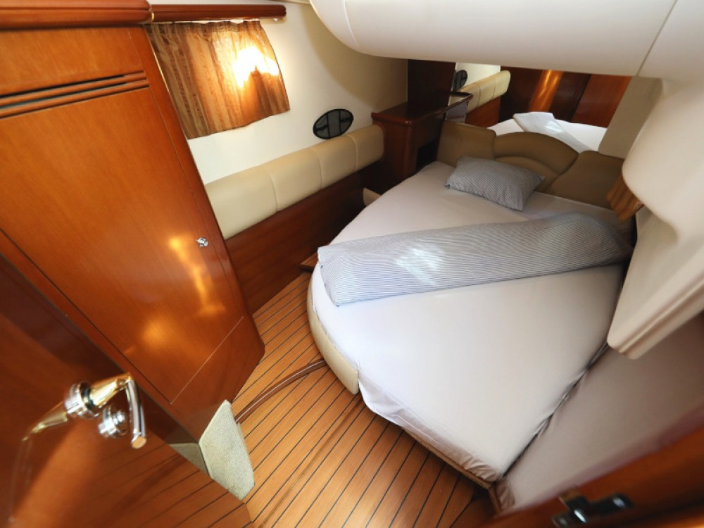 Barca a motore a noleggio Sukošan al miglior prezzo