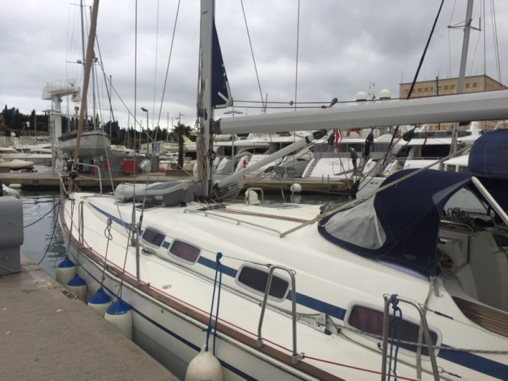 Barca a vela a noleggio ACI Marina Split al miglior prezzo