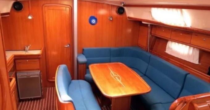 Noleggiare una Bavaria Bavaria 42 Cruiser a Traù