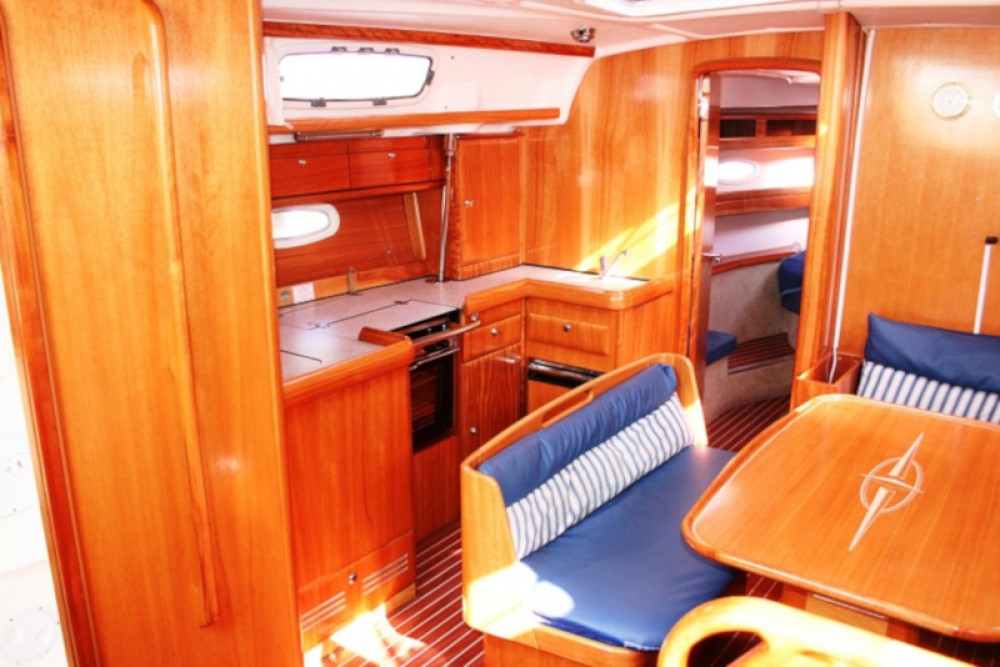 Noleggiare un'Bavaria Bavaria 42 Cruiser Traù