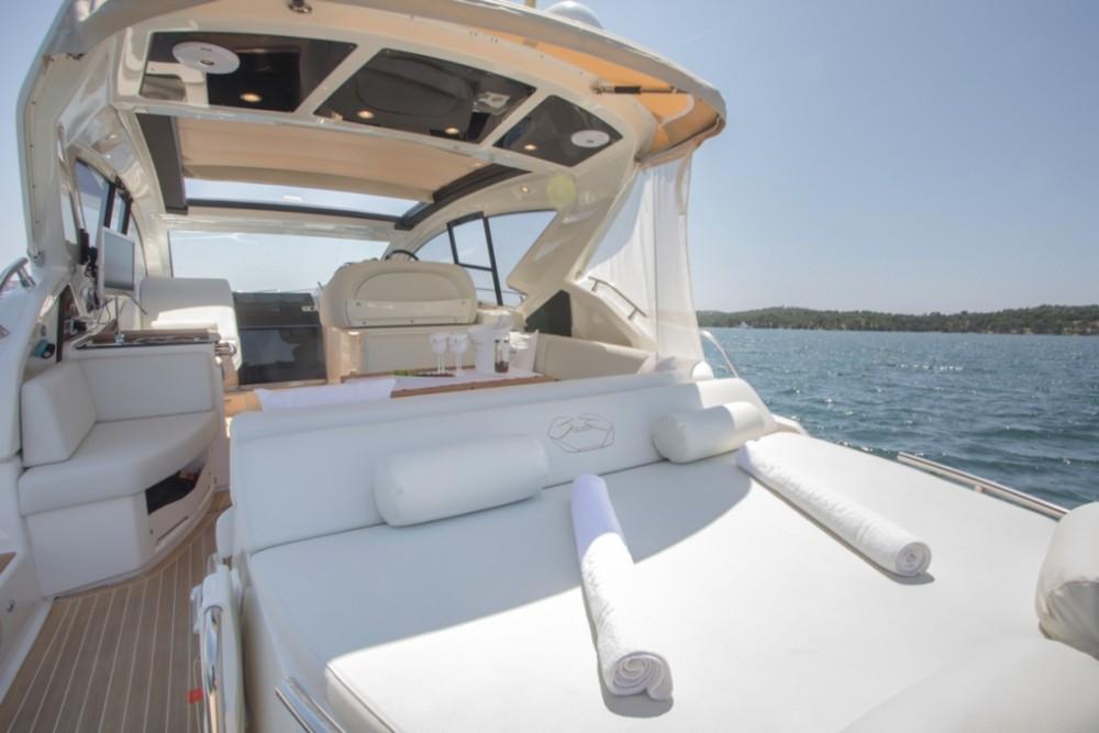 Noleggio yacht Sebenico - Cranchi Cranchi M44 HT su SamBoat