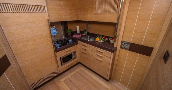 Noleggio Barca a motore con o senza skipper Azimut a Sebenico