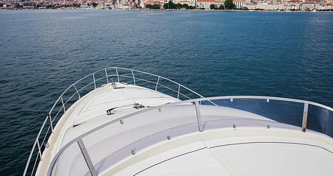 Noleggio Barca a motore con o senza skipper Aicon a Sebenico